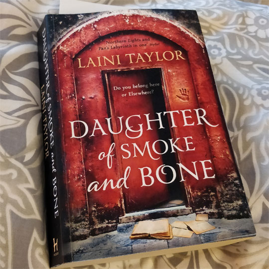 Liani Taylor, Daughter of Smoke and Bone